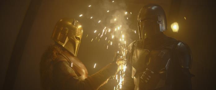 Emily Swallow e Pedro Pascal in una scena della serie The Mandalorian