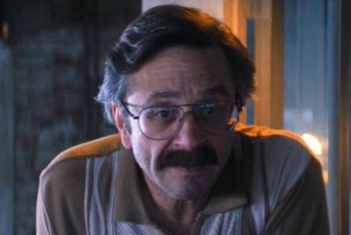 Marc maron nella serie GLOW
