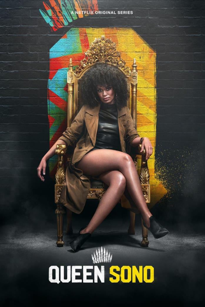 Queen Sono è seduta in un trono