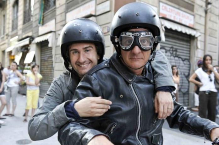 Alberto in moto con Mattia in Benvenuti al Nord