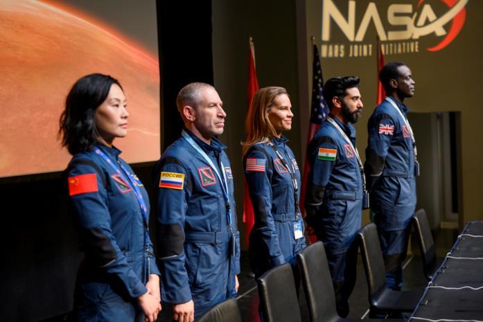 Alcuni astronauti si preparano a partire nello spazio