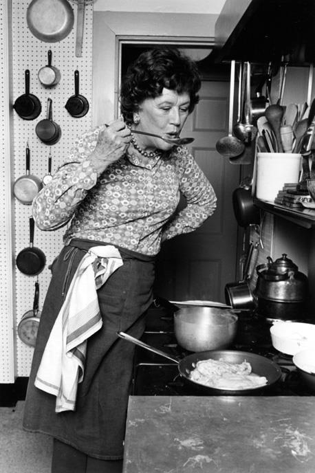 Julia Child nella sua cucina