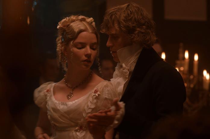 Emma balla con Mr Knightley