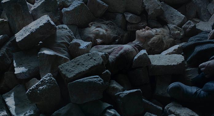 Jaime e Cersei, semisepolti dalle macerie