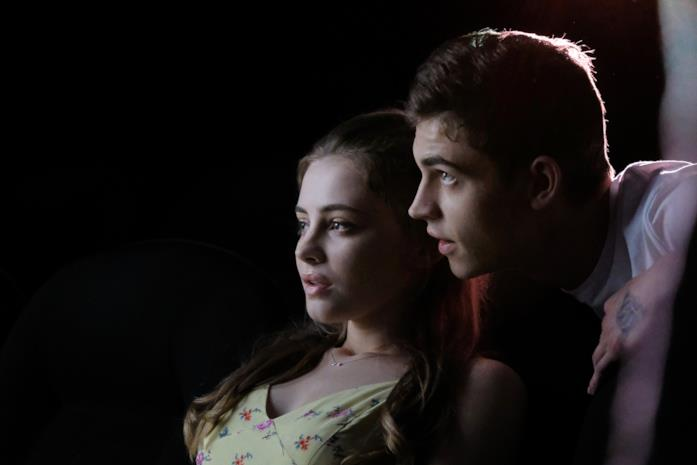 Josephine Langford e Hero Fiennes Tiffin in After