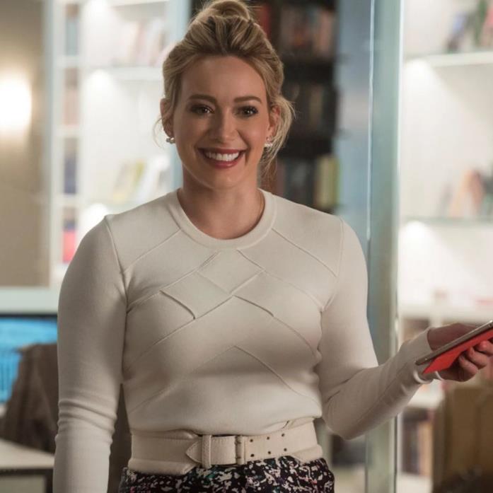 Hilary Duff in un episodio di Younger