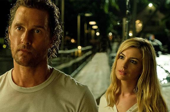Matthew McConaughey e Anne Hathaway in Serenity - L'isola dell'inganno