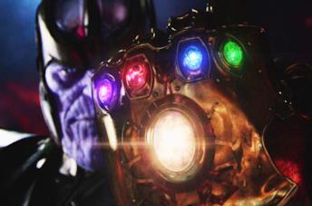 Thanos con indosso il Guanto dell'Infinito