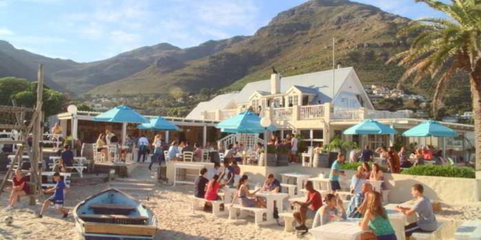 Il ristorante sulla spiaggia dove lavora Elle in The Kissing Booth