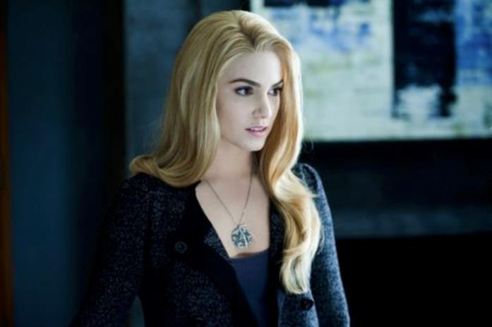 Nikki Reed è Rosalie in una scena di Twilight