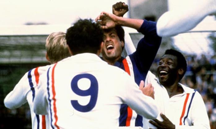 Sylvester Stallone è il portiere Robert Hatch in Fuga per la vittoria