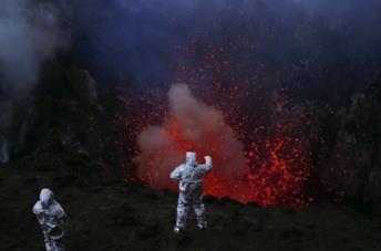 Una scena del documentario Dentro l'inferno di Werner Herzog