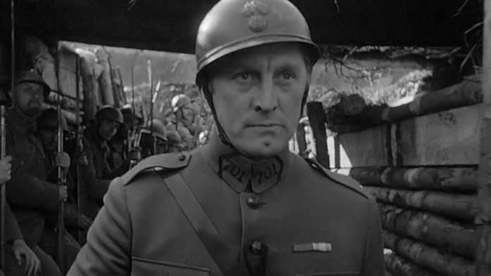Kirk Douglas in una scena del film