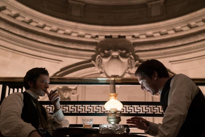 Tom Holland e Benedict Cumberbatch in una scena del film