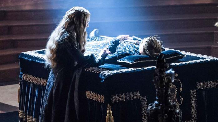 Cersei veglia il corpo di Joffrey