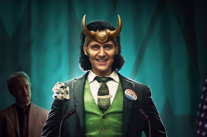 Tom Hiddleston in un poster promozionale della serie Loki
