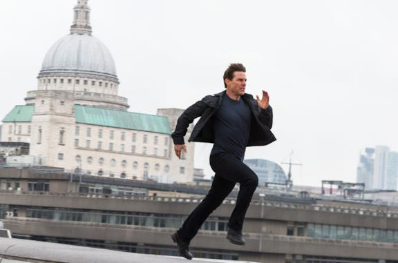Tom Cruise corre in una scena di Mission: Impossible - Fallout