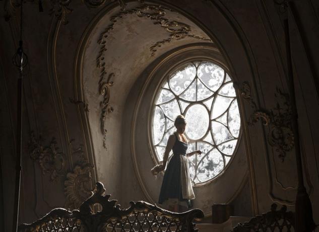 La Bella e La Bestia, Belle nel castello
