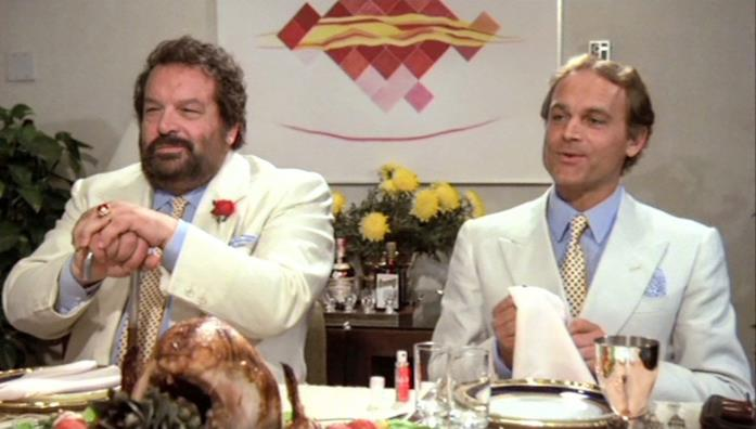 Bud Spencer e Terence Hill in una scena del film Non c'è due senza quattro