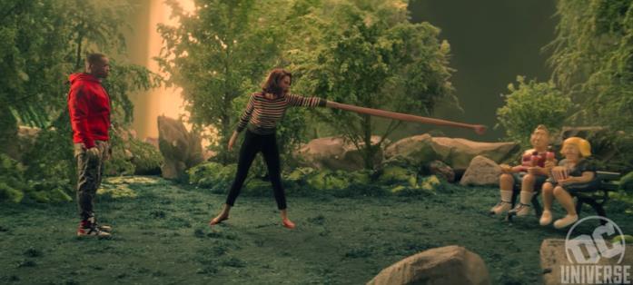 Cyborg aiuta Rita a controllare i suoi poteri