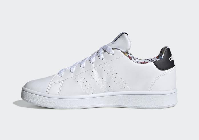 La sneaker Adidas x Pokémon: lato