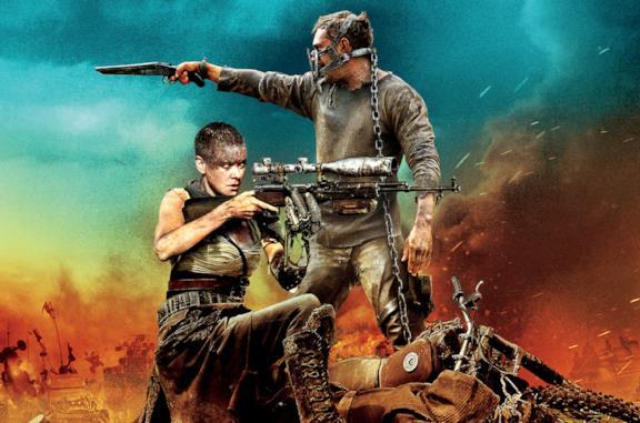 In foto Furiosa e Max dal film Mad Max: Fury Road