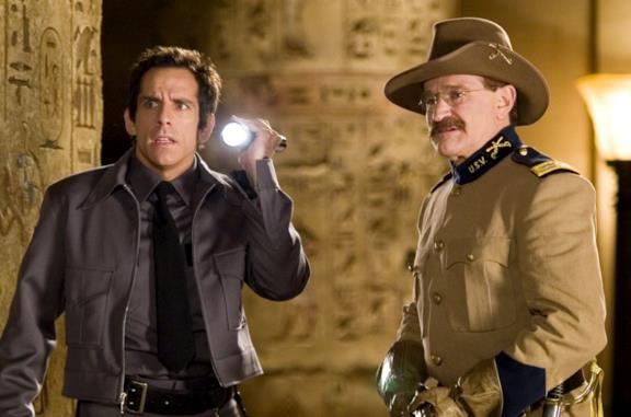 Una notte al museo: Ben Stiller in una scena con Robin Williams