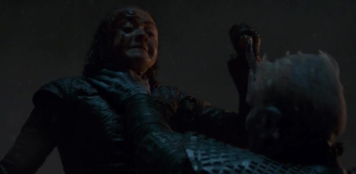 Arya combatte col Re della Notte nel terzo episodio della stagione 8 di Game of Thrones