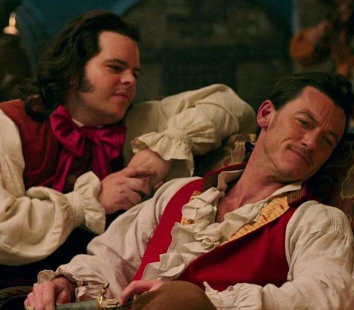 Gaston e Le Tont in una scena del live-action de La Bella e la Bestia