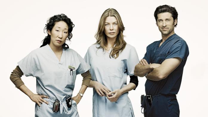 Un'immagine promozionale della prima stagione di Grey's Anatomy con i tre protagonisti
