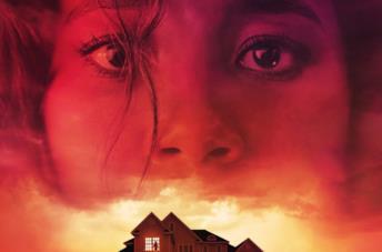 Il volto di una ragazza su una casa
