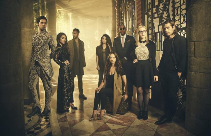 Un'immagine con i protagonisti di The Magicians