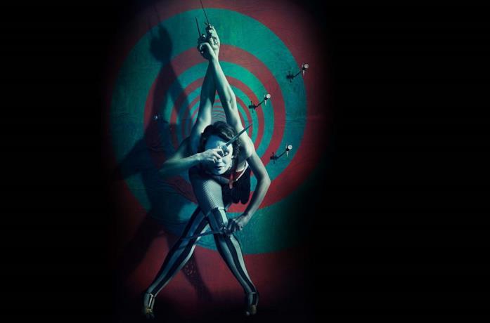 Un poster promozionale di American Horror Story: Freak Show