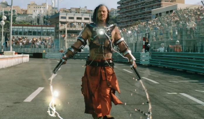 Un'immagine di Whiplash in una sequenza di Iron Man 2