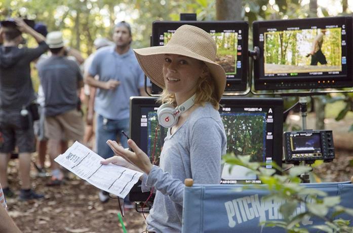 Elizabet Banks sul sete del film Pitch Perfect 2