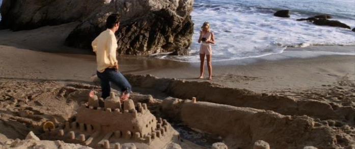Sandy e Danny di Grease in spiaggia