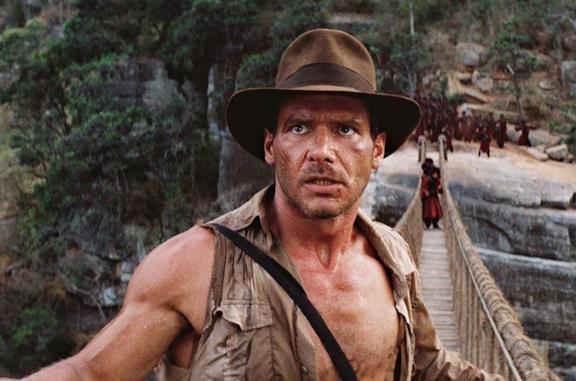 Indiana Jones in una scena de Il tempio maledetto