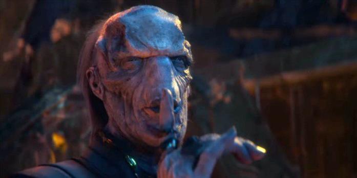 Ebony Maw al servizio di Thanos in una scena di infinity War