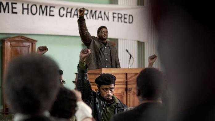 Fred Hampton incita la folla