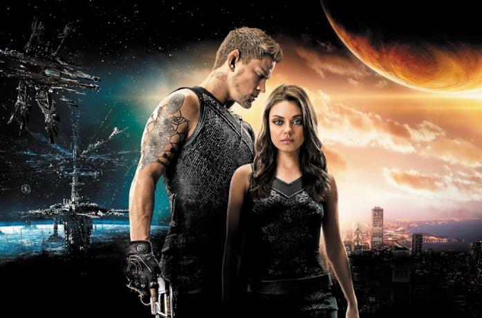Jupiter Jones e Caine, protagonisti di Jupiter - il destino dell'universo