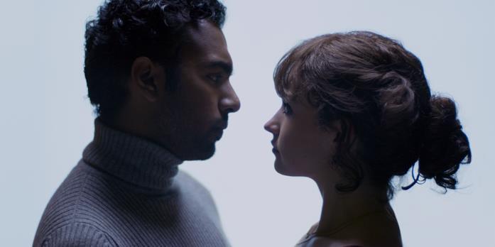 Himesh Patel e Lily James in una scena di Yesterday