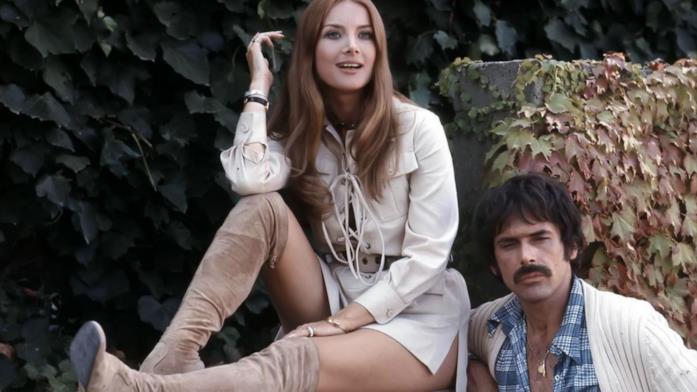 Barbara Bouchet e Tomas Milian nel film