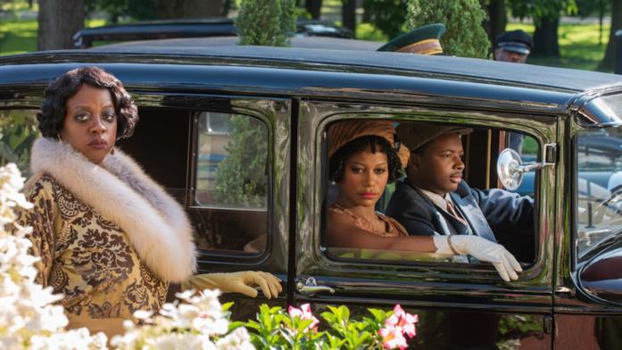 Ma arriva in procinto di salire sulla propria auto di lusso, guidata dal nipote Sylvester e con a bordo la sua partner Dussie