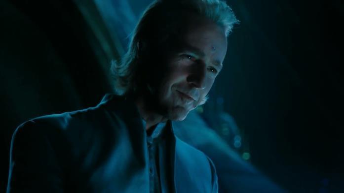 Edward Norton nel cameo nel film Alita - Angelo della battaglia