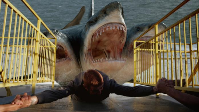Una scena di 3-Headed shark attack