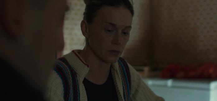Milena Mancini in una scena del film La terra dell'abbastanza