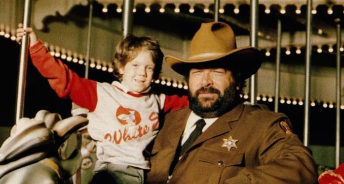 Bud Spencer assieme a Cary Guffey sul set di Uno sceriffo extraterrestre
