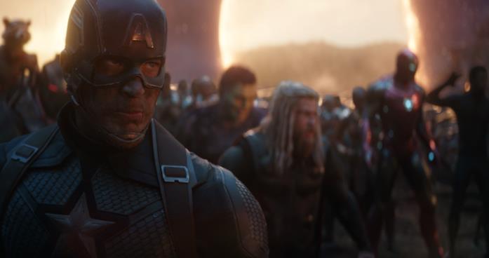 Capitan America e gli Avengers poco prima della battaglia finale di Avengers: Endgame