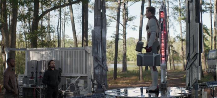 Steve Rogers sulla piattaforma per i viaggi nel tempo