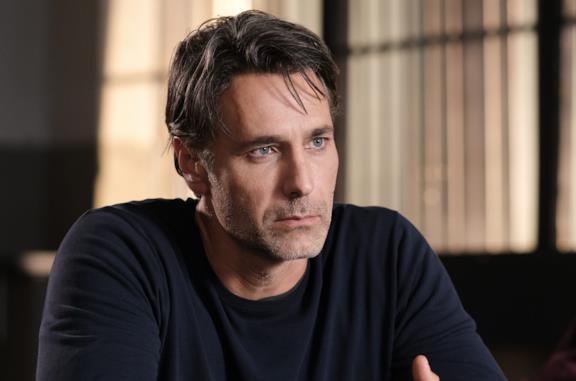 Raoul Bova nuovo Don Matteo: Terence Hill lascia la serie?
